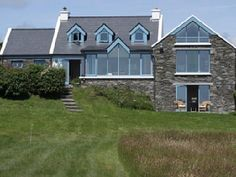 House vacation rental in Schull from VRBO.com! #vacation #rental #travel #vrbo Cottage Design, House Design, Irish Cottage, Luxury Holidays, Cottage Ideas, Vacation Rental Sites, Cosy, This Is Us, Shed