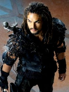 Dear Jason Momoa, if you could announce going to a comicon pretty early I would definitely save up to come straight to San Diego!