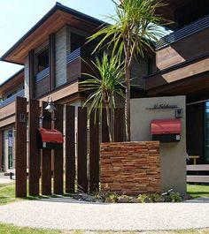 オンリーワンクラブ:第12回デザインコンテスト Gate Post, Compound Wall, Courtyard Design, Dry Garden, Concrete Houses, California Style, Front Yard Landscaping, Glass Door, Curb Appeal
