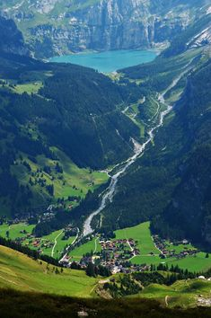 Above Kandersteg, a photo from Bern, West | TrekEarth
