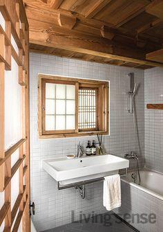 현대식으로 꾸며 불편함이 없는 화장실.