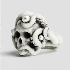 Octopus Skull Ring by Macabre Gadgets