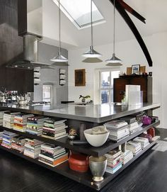 Beautiful Kitchen - New York Loft Apartment 04 New York Loft, Ny Loft, Kitchen Bookshelf, Loft Kitchen, Open Kitchen, Kitchen Magic, Nice Kitchen, Kitchen Corner, Awesome Kitchen