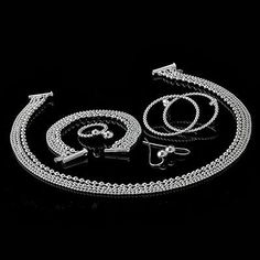 Paletti Jewelry Grace silver jewelry set @ wedding blog BLACK.bling.WHITE Wedding Jewelry Sets, Wedding Blog, Jewelry Design, Bracelets, Silver Jewelry, Bling, Jewellery, Bangle Bracelets, Jewels