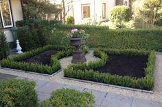 Aanleg, voortuin, hovenier, buxus, grind, rozen, tuin