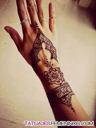Resultado de imagen para diseños de tatuajes de moda faciles