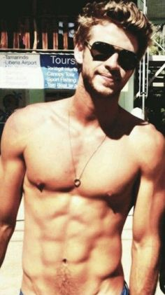 Literally 26 Really Hot Photos Of Liam Hemsworth Liam Hemsworth, Hemsworth Brothers, Pretty Men, Gorgeous Men, Beautiful Life, Bae, Cute White Boys, Hot Hunks, Fine Men