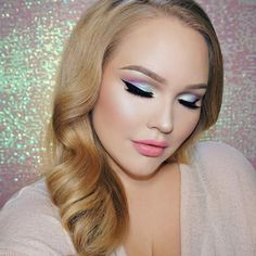 Oh, Nikkie you're so fine ...@nikkietutorials is blowing our minds  with this gorgeous look using these Makeup Geek Eyeshadows: ☄ Pegasus (foiled) ☄ Carnival ☄ Day Dreamer (foiled) ☄ Voltage (duochrome)