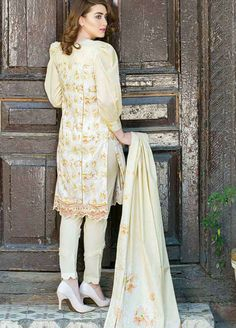Buy Five Star Classic Lawn 2019 Collection Printed Lawn Unstitched 3 Piece Suit from Sanaulla Store - Original Products. Simple Pakistani Dresses, Pakistani Fashion Casual, Pakistani Dress Design, Indian Dresses, Indian Fashion, Stylish Dress Designs, Stylish Dresses, Simple Dresses, Fashion Dresses
