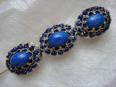Brosche Nadel mit Lapis Lazuli 3 Cabochon Lapis in Kronenfassung 13,11 gr Metall