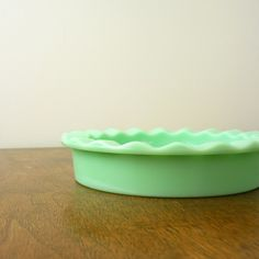 I soooo want a jadite pie plate