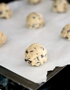 The Ritz Carlton Chocolate Chip Cookies | www.cookiesandcups.com