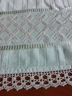 Hardanger Embroidery, Crochet Lace, Bohemian Rug, Diy And Crafts, Cross Stitch, Bargello, Rugs, Decorative Towels, Crochet Edgings