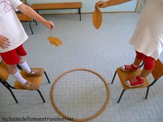 minute to win it game falling leaves Class Party Game?