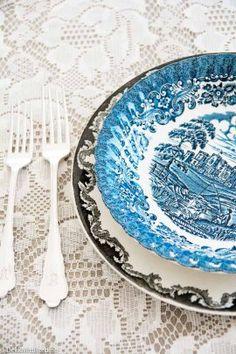 Blå og svart mix - blue and black mix #borddekking #table setting #wedding #party #selskap #bryllup #konfirmasjon #dåp #rörstrand #utleie