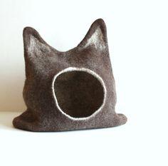 Large cat bed  cat cave  cat house  ecofriendly by AgnesFelt, $96.00