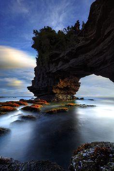 Pura Batu Bolong, Tanah Lot, Bali, Indonesia