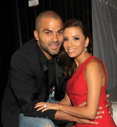 Pin for Later: 21 Famous Women Who Hit It Off With Younger Men Eva Longoria and Tony Parker Age difference: Seven years Relationship status: The actress and basketball star divorced in 2011 after three years of marriage.