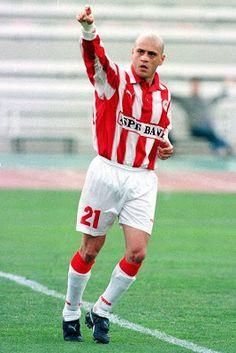 Γεωργάτος Γρηγόρης. Πειραιά. (1972).Αμυντικός μέσος. Από το 2000 ~ 2001 & 2004 ~ 2007. (289 συμμετοχές 41 goals). Dream Team, Football Players, Athlete, Running, Sports, Style, Fashion, Hs Sports, Swag