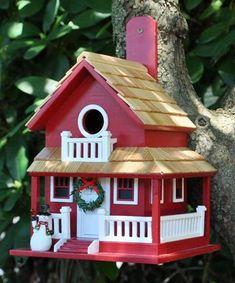 Salvaged Wood Birdhouse Designs Adding Beautiful Yard Decorations to Winter Backyards #birdhousedesigns