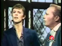 Bowie & Crosby - 'Peace on Earth / The Little Drummer Boy'