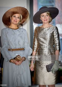 Queen Maxima of the Netherlands and Queen Mathilde of Belgium during their visit to the Flemish culture house Bakke Grond on November 2016 in Amsterdam, Netherlands. (Photo by Patrick van Katwijk/Getty Images) Casa Real, Dutch Queen, Estilo Real, Queen Maxima, Royal House, Royal Fashion, Cashmere Poncho, Well Dressed, Mother Of The Bride