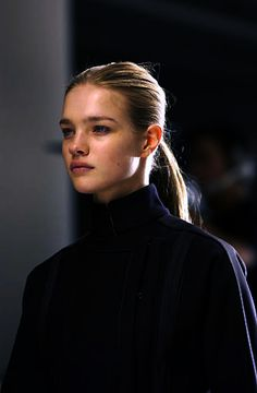 Natalia Vodianova at Calvin Klein Fall 2002 // clean face and classic ponytail #hair #beauty