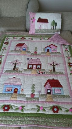 Today I came to talk about some patchwork techniques and examples of them. Baby Girl Quilts, Girls Quilts, Quilt Baby, Baby Quilt Patterns, Baby Knitting Patterns, Patchwork Baby, Patchwork Quilting, Patch Quilt, Applique Quilts