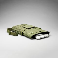 """Unit Portables >> The ultimate shoulder bag to hold a computer ranging from 13""""-15"""" in length, as well as all your other gadgets and gizmos!"""