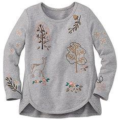 Embroidered Linnea Sweatshirt from Moda Junior, Little Girl Dresses, Girls Dresses, Inspiration Mode, Culottes, Cute Baby Clothes, Kind Mode, Pulls, Kids Wear