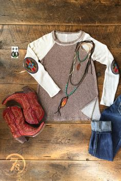 - Southwest elbow patch top - Oatmeal and brown tri-blend knit top - Earth tone colorful embroidered elbow patched - Unfinished rolled edge neckline - Split sides to below the top of jeans - Relaxed b Country Chic Outfits, Country Girl Style, Country Fashion, Western Outfits, Western Wear, Country Girls, My Style, Country Chic Clothing, Country Style Clothes
