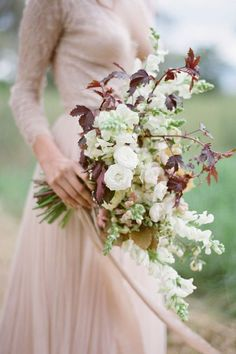 Wedding experts at Style Me Pretty lend some fall floral inspiration perfect for any wedding of the season.