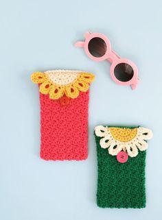 DIY: daisy crochet glasses pouch