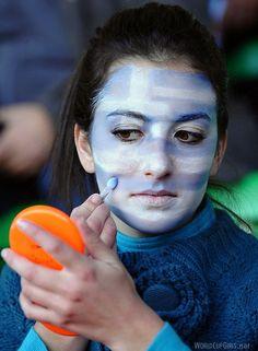 greek-girl_world-cup-2010_05.jpg (440×600)