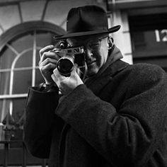 Il grande Henri Cartier Bresson (1908-2004).