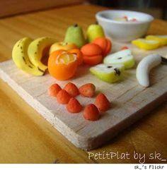 Amazing gallery of miniature food via URLesque