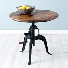 Need that dinner plate a little bit higher? No problem. Just dial up this table and voilà! dinner is served.
