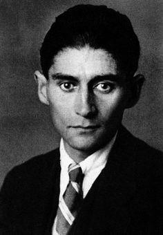 Franz Kafka...la angustia y la desesperación son ingredientes de las emociones humanas...al final del día despiertas y no eres el mismo..