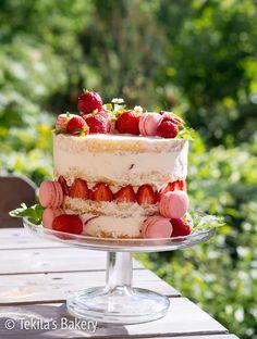 juhannuksen mansikka naked cake. Strawberry naked cake with recipe #tekilasbakery   http://www.tekila.fi/juhannuksen-mansikka-naked-cake/