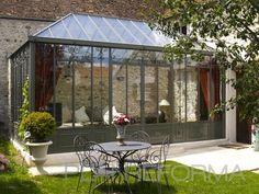 Patio, Exterior, Galería, Jardin style tradicional color verde, beige, blanco  diseñado por Mike | Interiorista