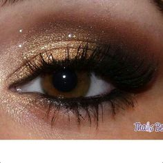 Gold makeup for brown eyes