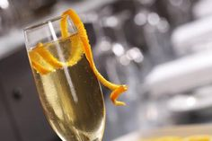 The Champagne Classic French 75 Cocktail - Rob Palmer / Photolibrary / Getty Images