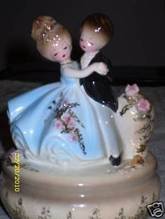 Josef Originals Anniversary Waltz Music Box