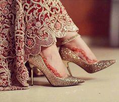 Bride heels - Pretty details via @ dulhan ✨ pakistanibride asianbride desibride bridaldetails weddingdetails anklet weddingshoes heels jimmychoo jimmychoos lehenga bridallehenga traditionalbride go Wedding Wear, Wedding Shoes, Wedding Pics, Bridal Pics, Wedding Stuff, Dream Wedding, Bridal Sandals, Bridal Bangles, Pakistani Bridal Dresses