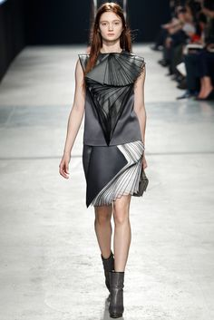 Christopher Kane Fall 2014 Ready-to-Wear - Collection - Gallery - Look 1 - Style.com