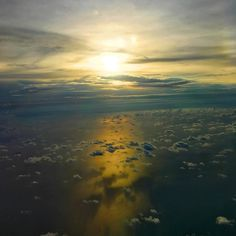 [Holiday Day 3 - Bangkok] The sun was setting as I flew home after a short weekend getaway to Bangkok... and I love the golden hue over the floating clouds! Don't you agree so??   __________________________ #AllisonTravels #sunset_pics #sunsetsky #sunsetsniper #sunsetporn #sunsetlovers  #TravelAsia