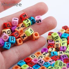 Hisenlee High Quality 200pcs Mixed Color Letters/Alphabet Cube Spacer Beads For Jewelry Making 6X6MM