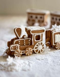The Kate Tin: Gingerbread Train (PLUS FREE TEMPLATE)