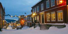 Christmas 2015 pleeeeease - Christmas at Røros, Norway - Photo: Røros info Norway Christmas, Christmas Night, Christmas 2015, Xmas, Deep Winter, Great Restaurants, Scandinavian Christmas, Covered Bridges, Plan Your Trip