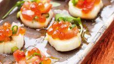hapjes / sint-Jakobsvruchten met tomaat en zalmeitjes / Pascale Naessens